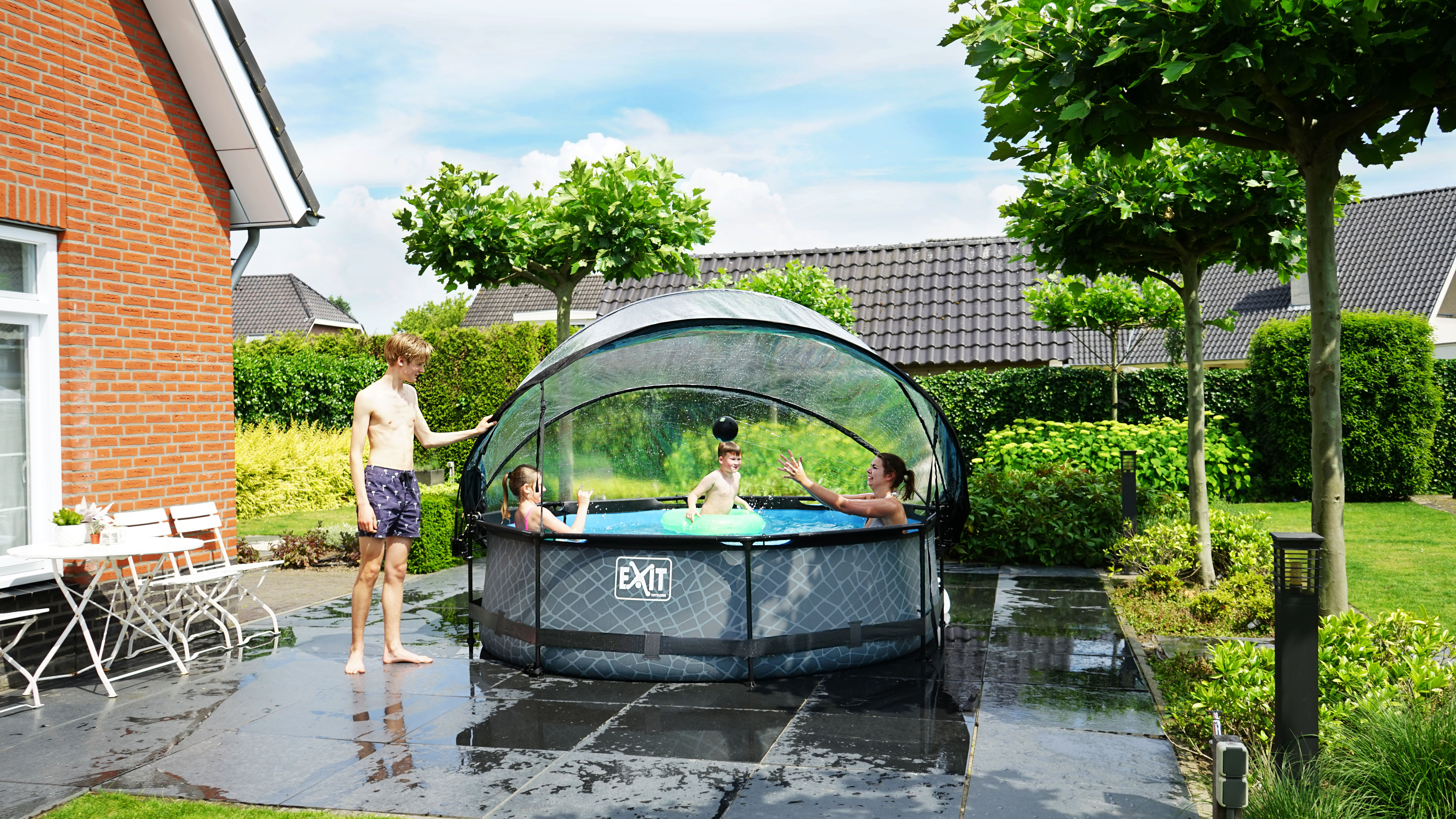 Pool and dome with kids